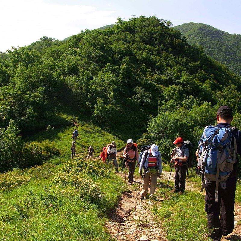 穿越名山旅行式主题团建